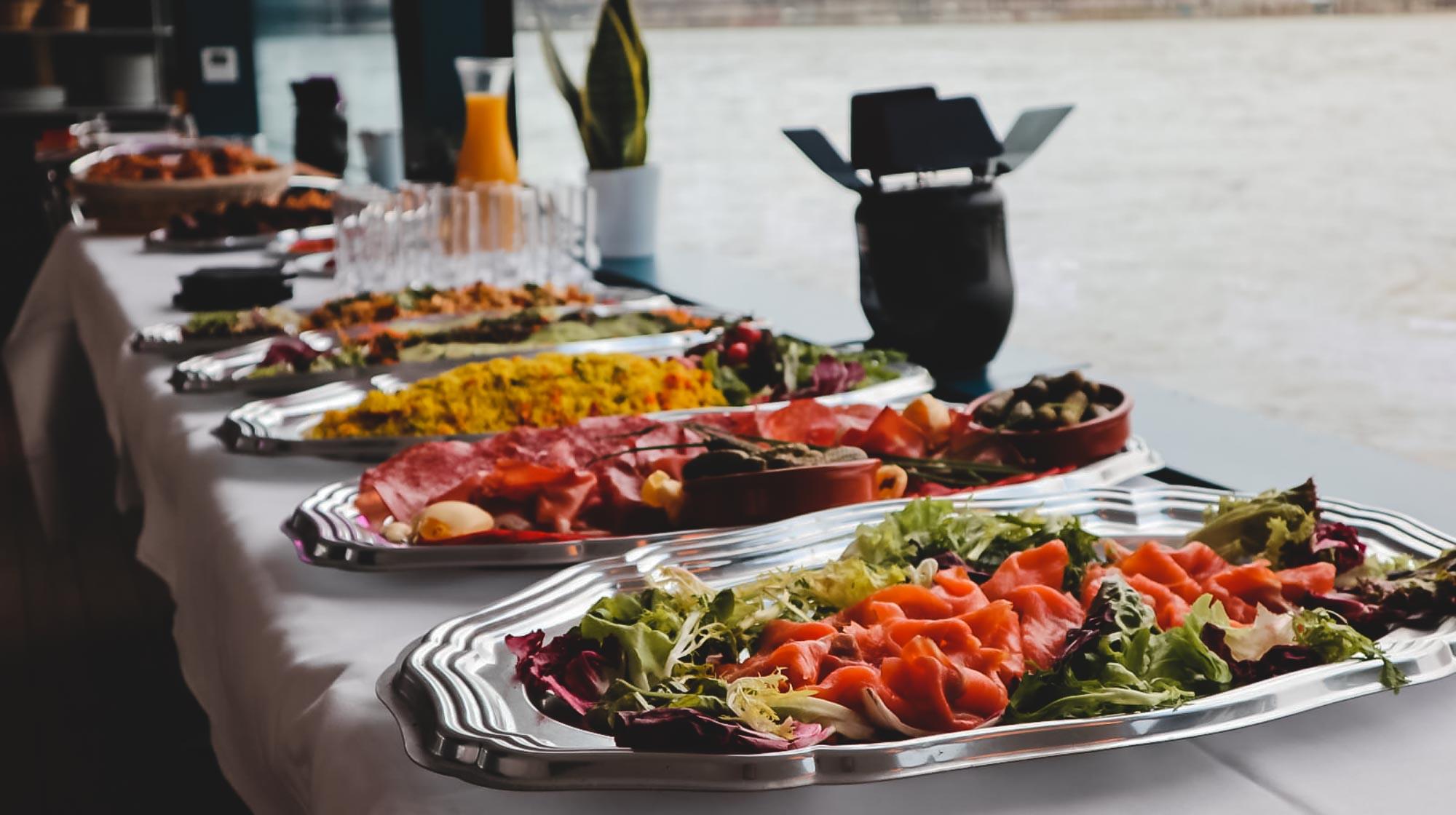 Dîner de croisière : un dîner en plusieurs étapes ?